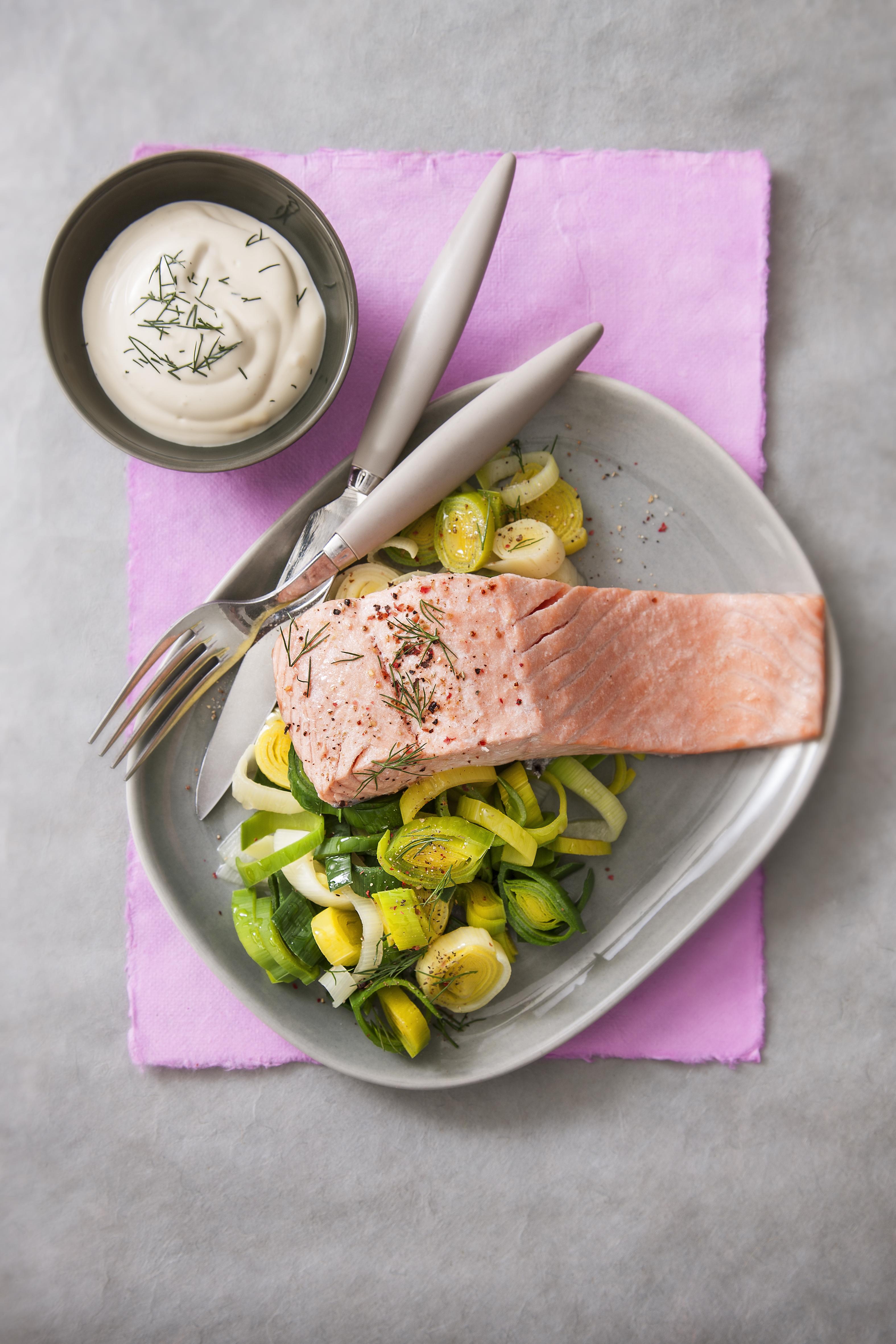 Recette Émincé de poireaux et darne de saumon